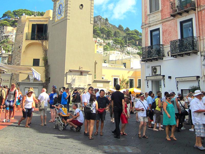 Capri Island Show & Go™