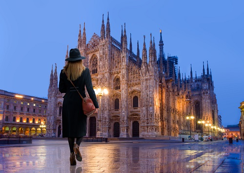 Small Group Tour with easy Entrance to Milan's Duomo, Underground and Rooftop Terraces