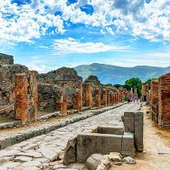 Pompeii and Vesuvius Tour from Sorrento: Small Group