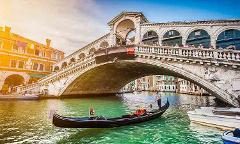 Secret Venice Evening Walking Tour with Gondola Ride