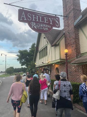 Ashleys_Restaurant