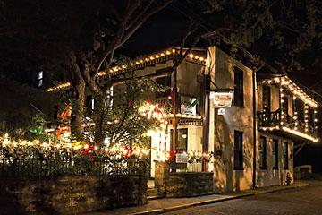 St_Francis_Inn_night