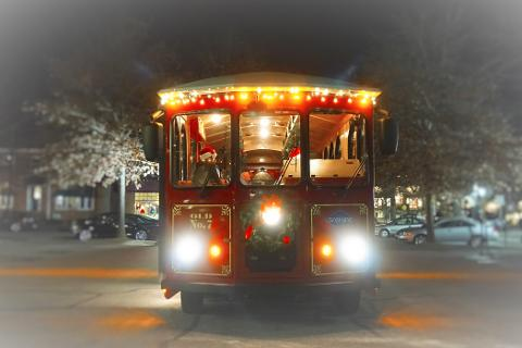 Holly Jolly Christmas Trolley Tour - Gray Line Trolley Tours of Asheville Reservations