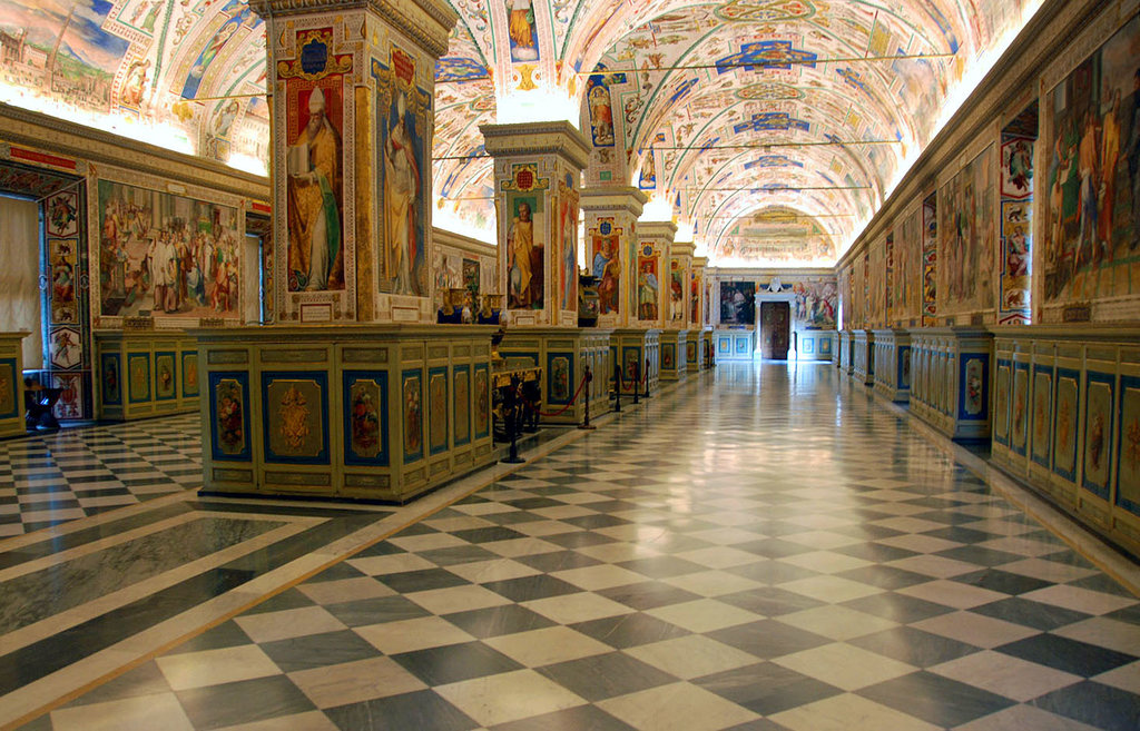 No-Wait Tour of Vatican Museums, Raphael Rooms, St. Peter's Basilica and The Sistine Chapel