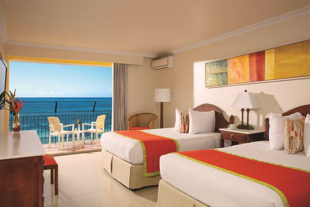 5-Day Mini-Vacation at Sunscape Splash Montego Bay, Jamaica (2 adults + 2 Kids)