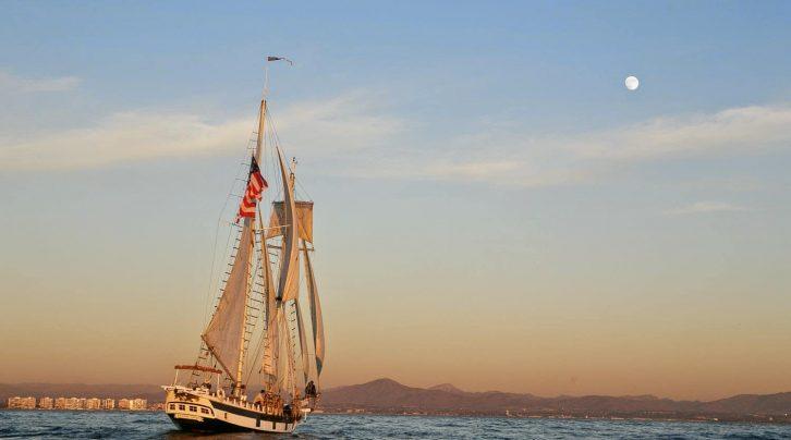 Day Bay Sailing Excursions from San Juan