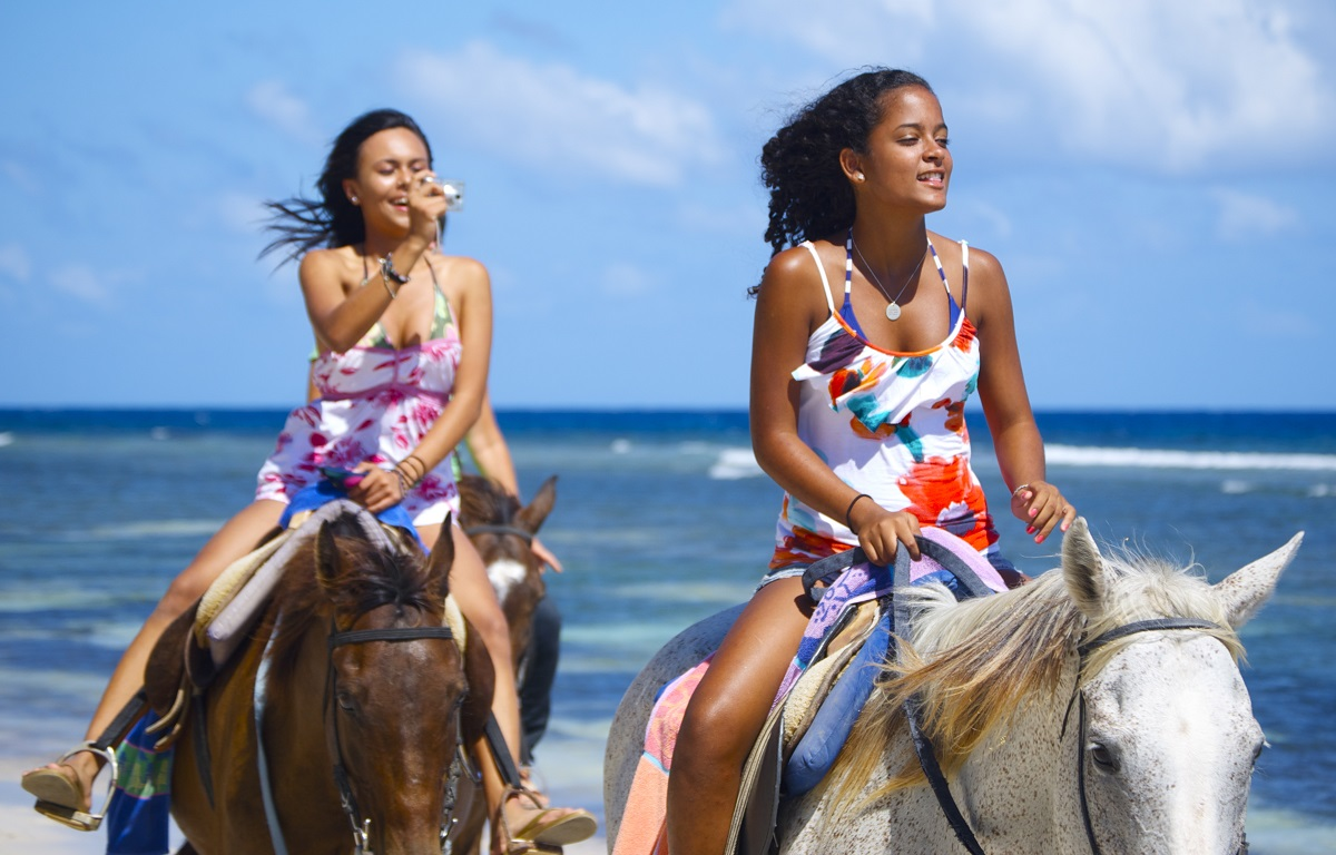 Jungle River Tubing plus Green Grotto Cave and Horse Ride & Swim Tour from Montego Bay