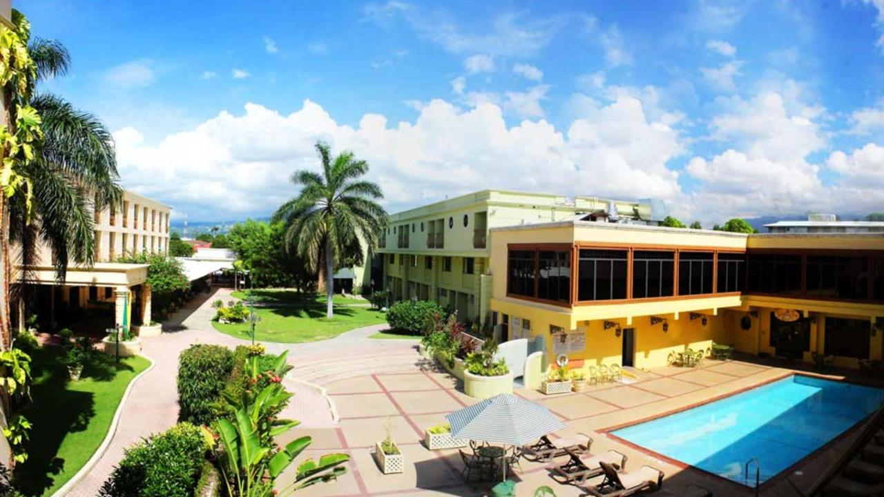 5-Day Mini Reggae Vacation in Kingston, Jamaica (2 adults + 2 Kids)
