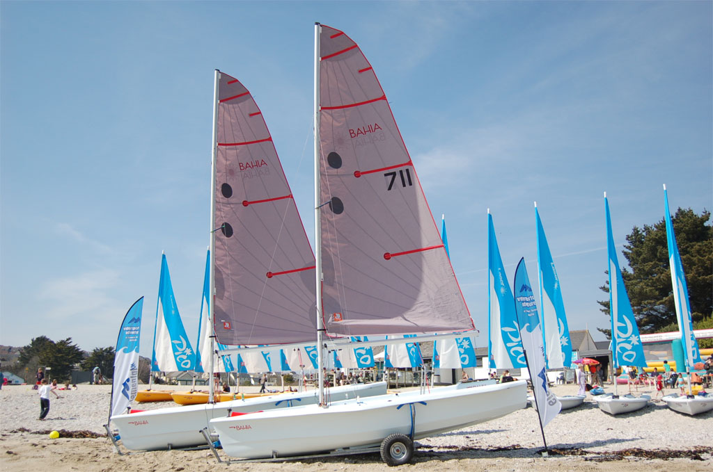 Dinghy Sailing Tuition - Swanpool Beach, Falmouth