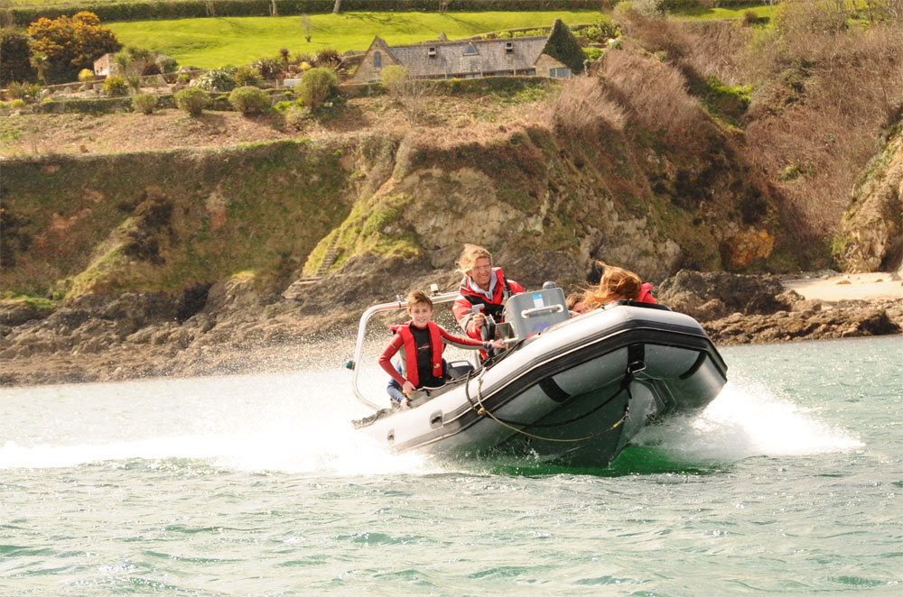 RYA Powerboat Courses - Swanpool Beach, Falmouth
