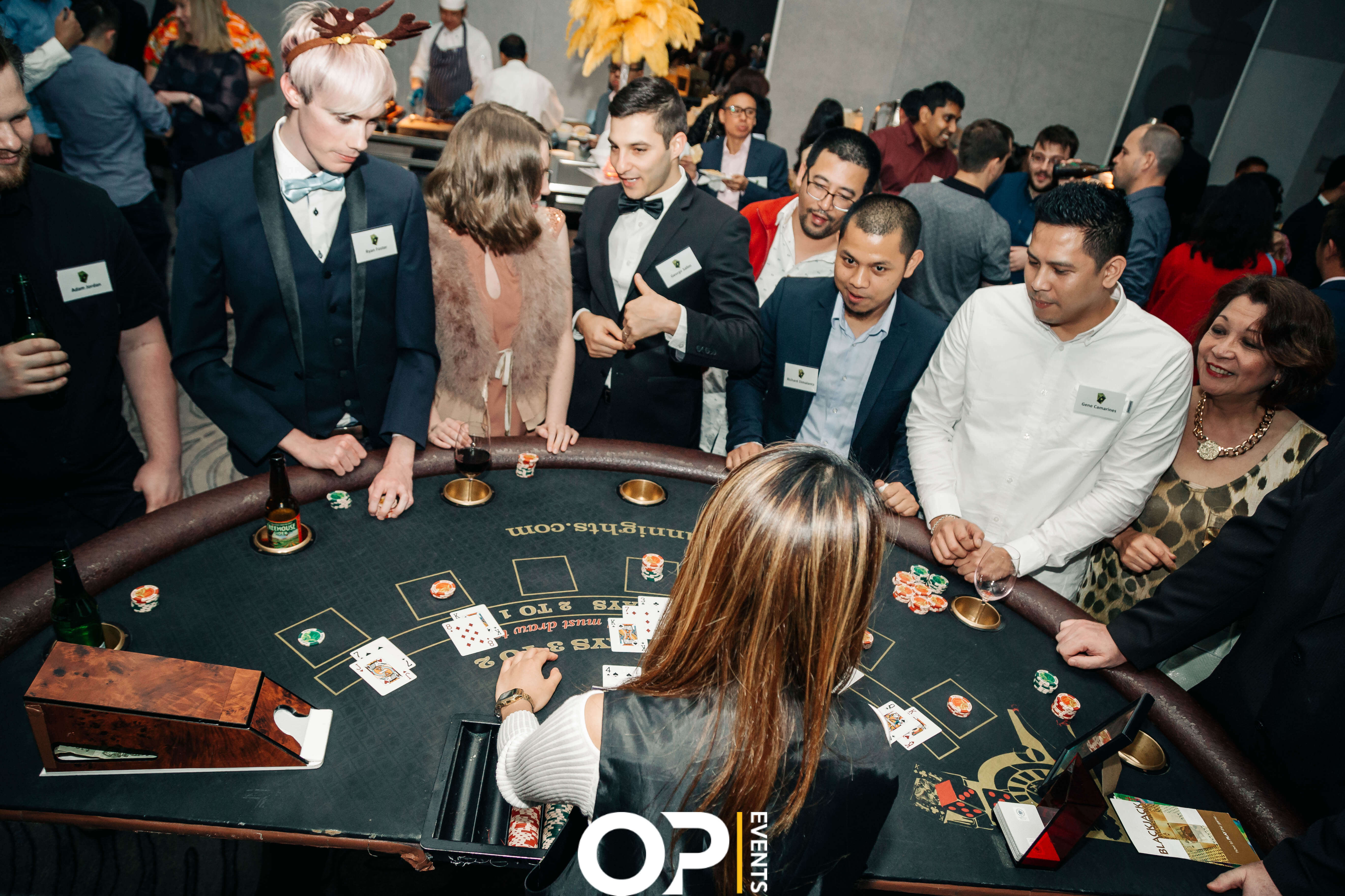 How many people can play blackjack