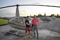 Robinson Helicopter Introductory Flight Lessons R44 Lesson + 2 Passengers - 30-35 minutes