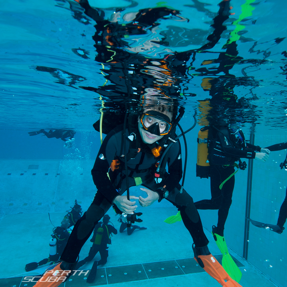 Discover Scuba Diving at Perth beach or pool