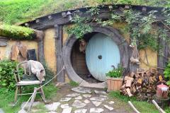 Hobbiton Movie Set & Farm Tour ex. Rotorua - April