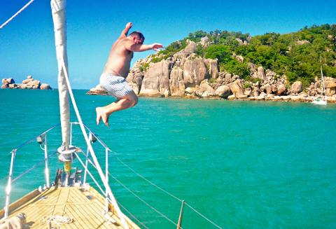 Lunchtime Sailing Cruise - Magnetic Island