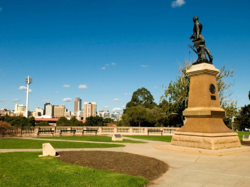 Adelaide City Afternoon Tour with Hills & Hahndorf