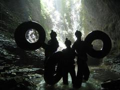 5 hour Kiwi Cave Rafting Tour