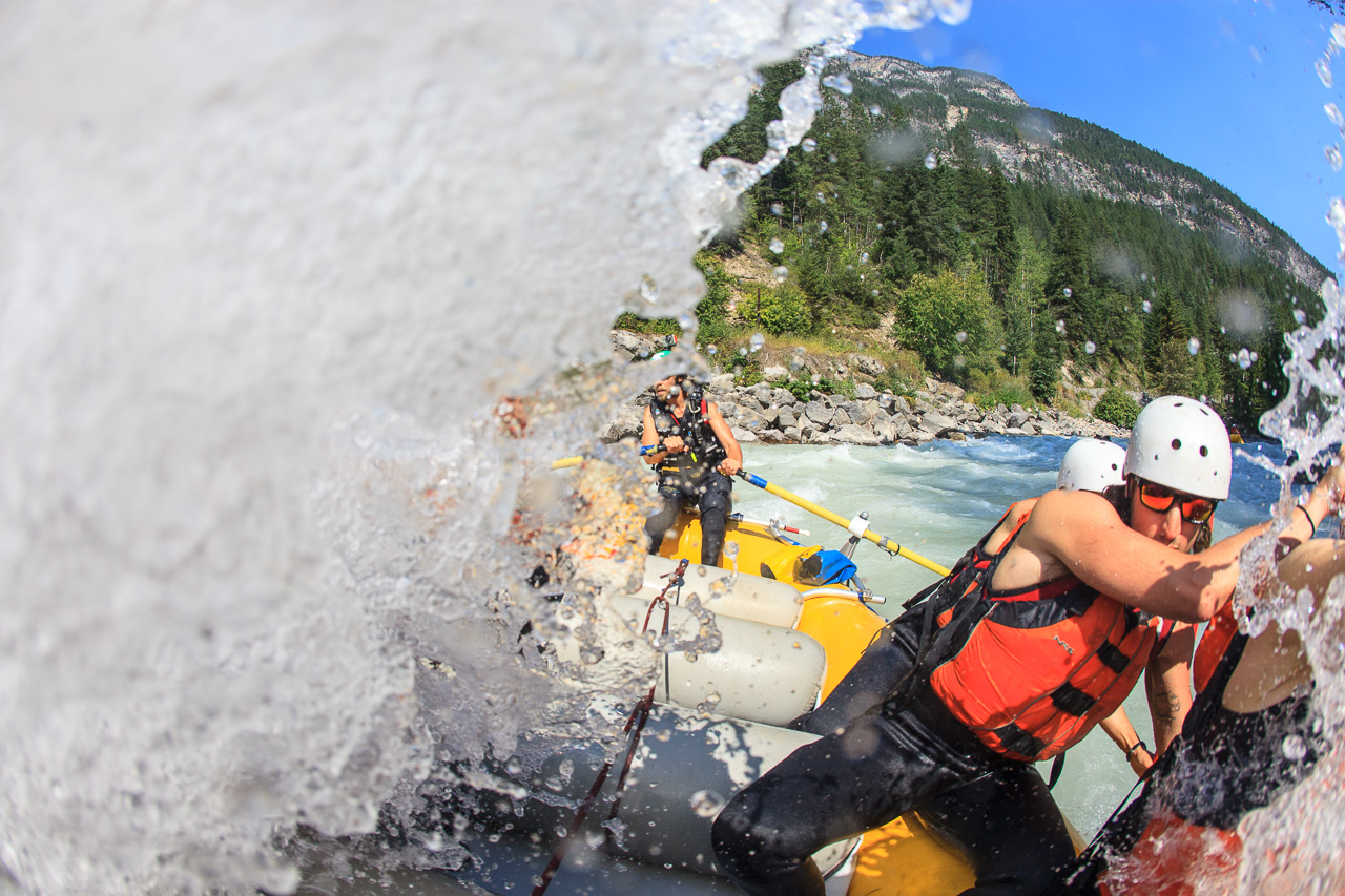 *BOOK A BOAT * Full Day Rafting - White Water Discovery