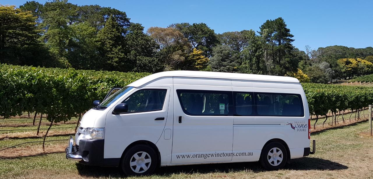 Premier Custom Tour 12 - suitable for pickups up to 30 km from CBD