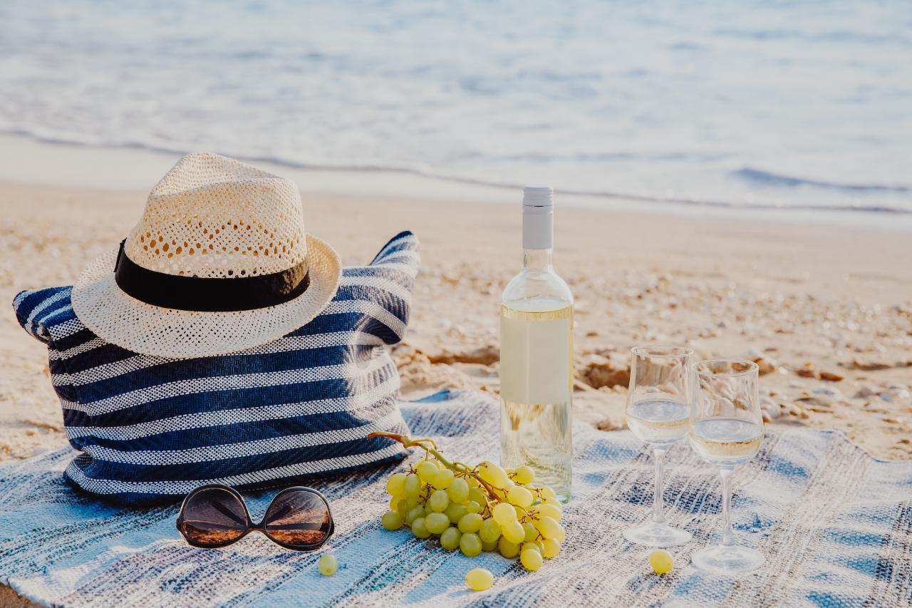 Beachside Heli-Picnic (Gift Card)
