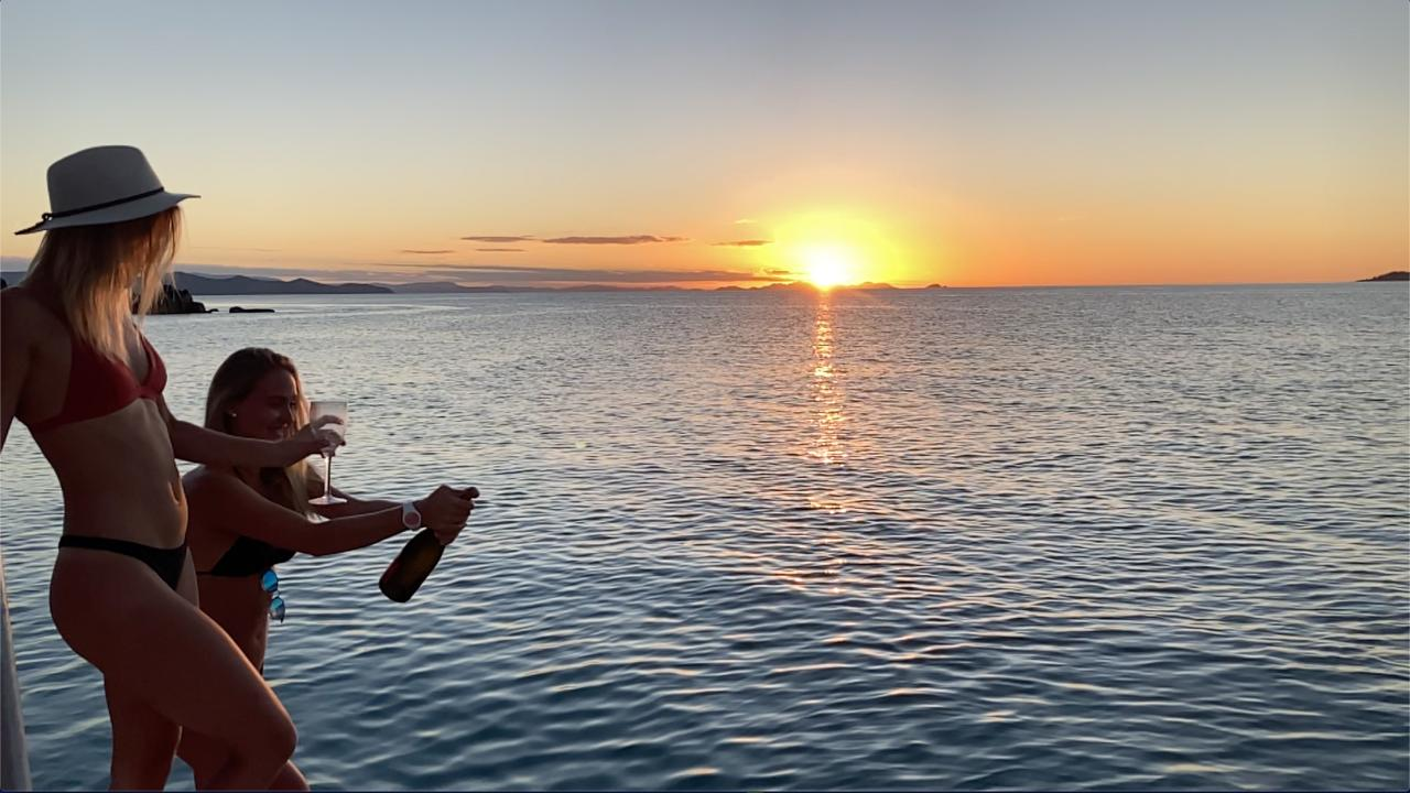 Airlie Beach Express - Sunset private cruise!
