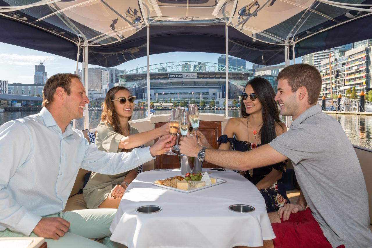 4 hour Luxury Private Cruise - with Skipper - for up to 10 passengers