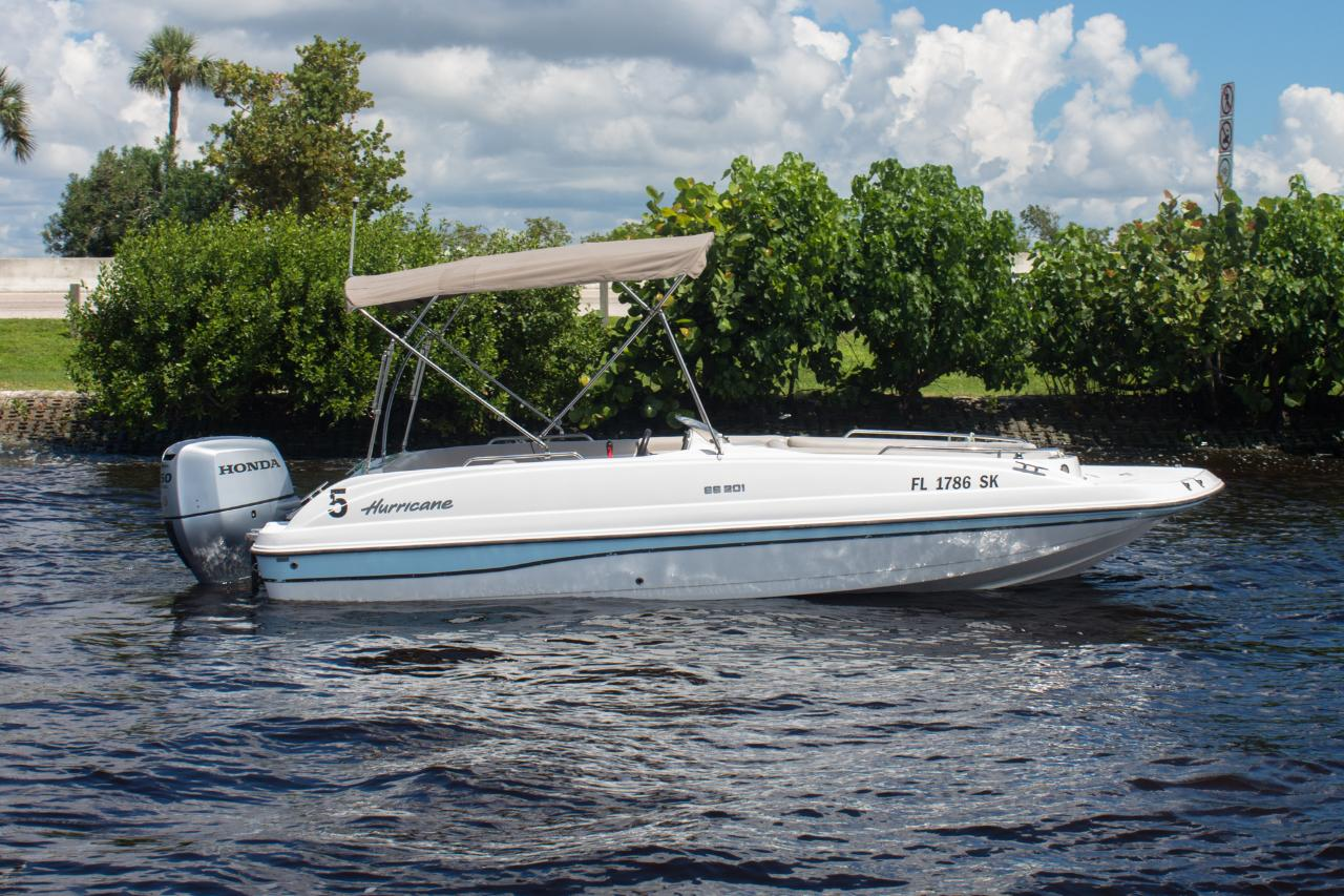 Hurricane 201 DECK BOAT ALL DAY SHORT TRIP SANIBEL , PICNIC ISLAND AND FT MYERS BEACH WEEK DAYS ONLY