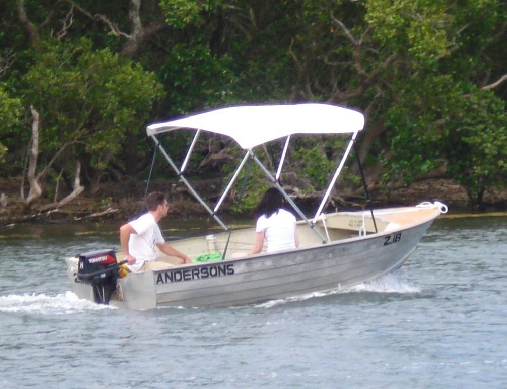 14ft Aluminium Boat Hire