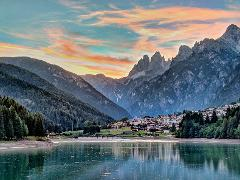 Private Day Trip to Dolomite Lakes & Mountains