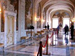 Castel Gandolfo Private Tour: Barberini Gardens, Apostolic Palace with Transfers