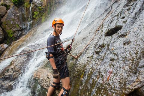 Waterfall_Rappelling_50