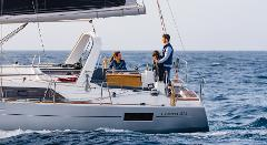 "Sail: Oceanis 41.1-3 ""Azulita"" - Half-Day Charter Up to 9 People from Point Richmond"
