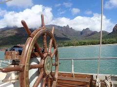 Sail & Walk 7-day Voyage - Townsville to Mackay 17-23 August