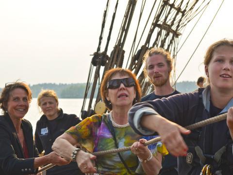 Lär dig segla råtacklat. Nybörjarkurs i konsten att segla en brigg. 27 augusti i Vaxholm