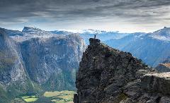 Mannen - Fjelltur (Hiking)
