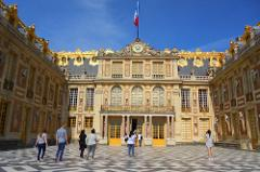 Excursion to the Palace and Gardens of Versailles (priority access) - In a Small Group