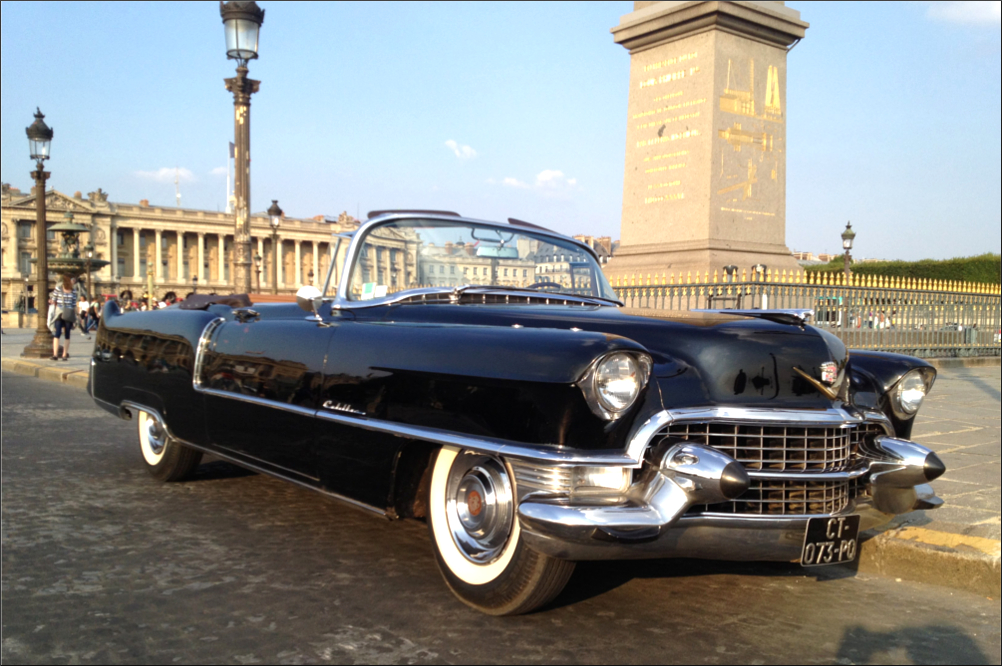 Private tour in a vintage Cadillac