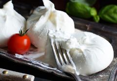 Mozzarella and Burrata Workshop: Sat, Oct 14; 12pm-3pm; Chef Maria Capdevielle (Shattuck Ave)