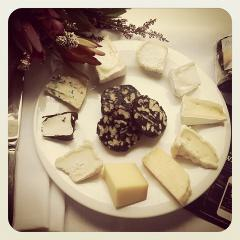Australian & International Artisan Cheese & Wine Experience