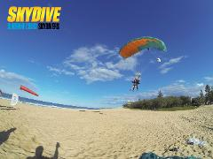 10,000ft Tandem Skydive - Brisbane Transfers