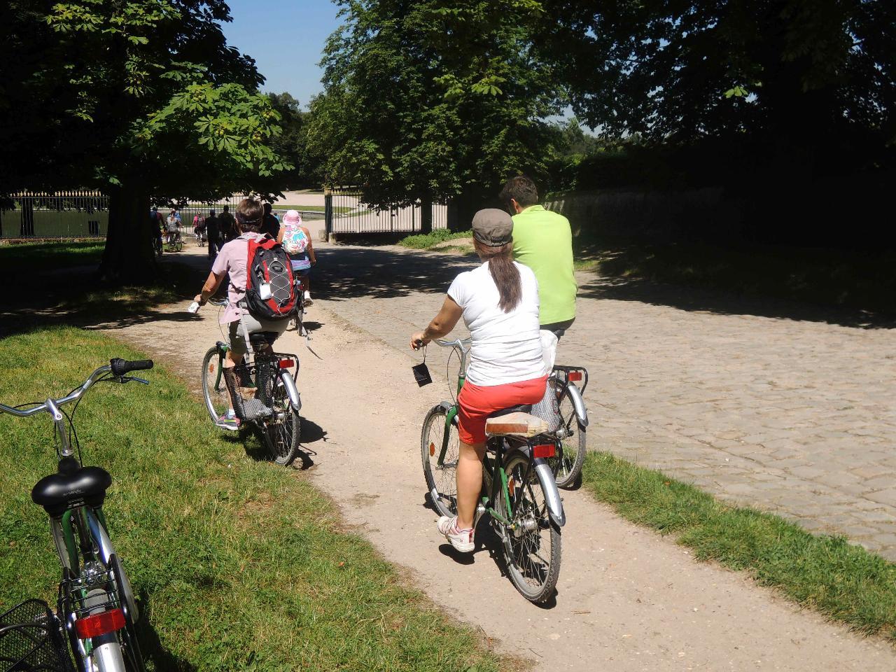 versailles bike tour bike about tours reservations. Black Bedroom Furniture Sets. Home Design Ideas