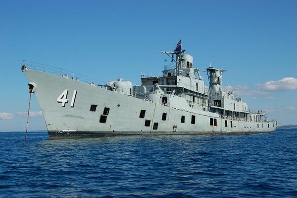 HMAS Brisbane Double Wreck Dive