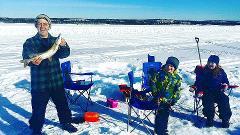 GREAT SLAVE LAKE ICE FISHING TOUR