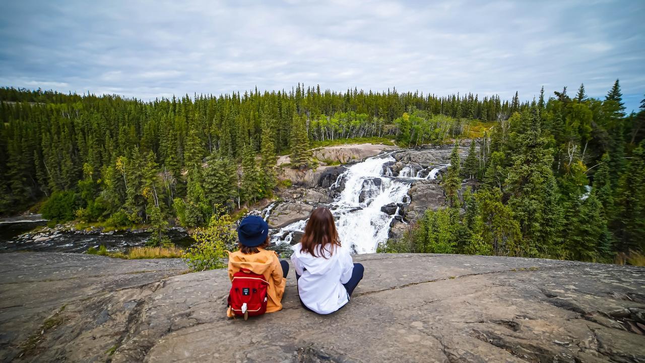 Yellowknife 5 days 4 nights Autumn Season Northern Lights Holiday package