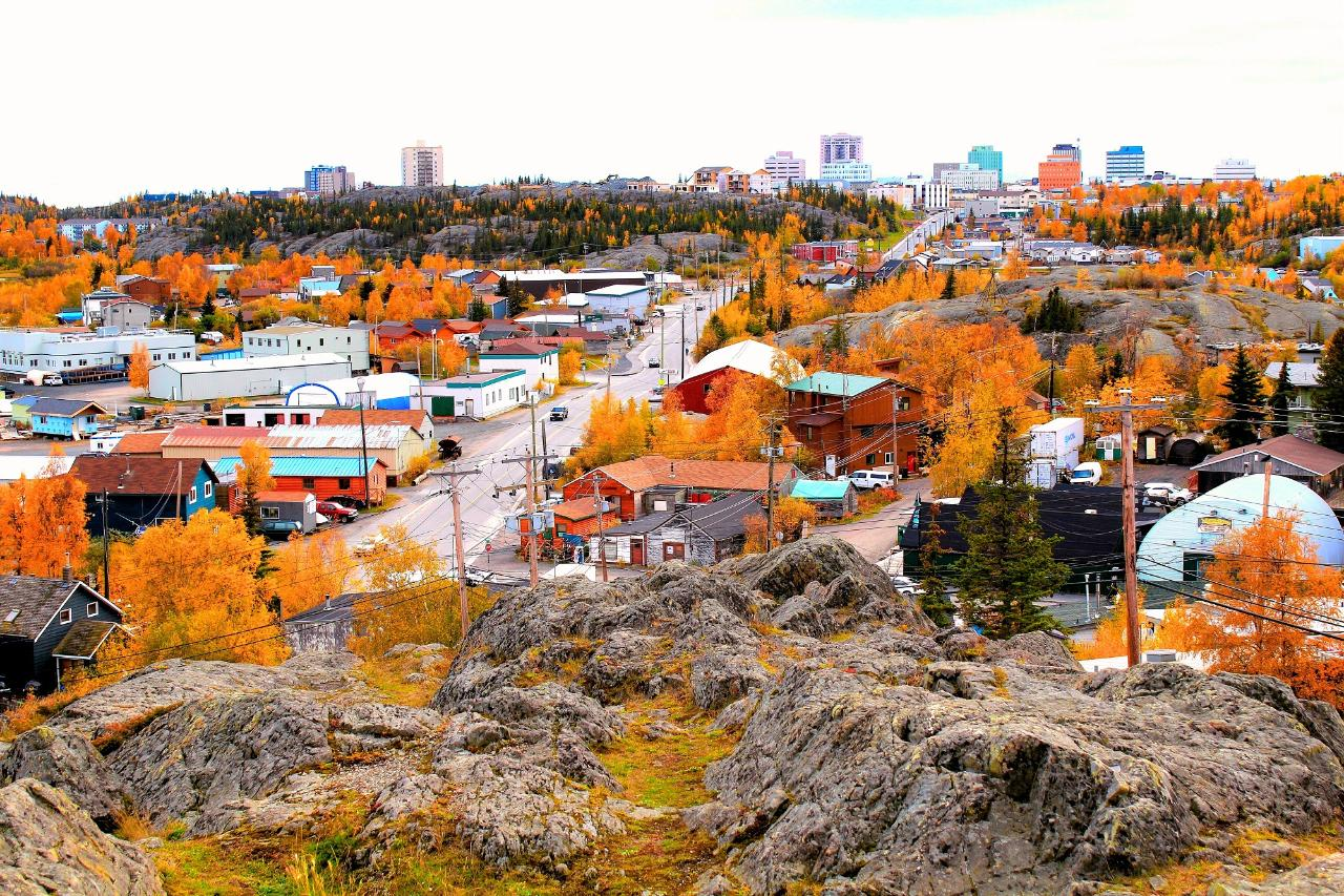 4 Days 3 Nights Yellowknife Fall Season Aurora Package Including Hotel Accommodation And Day Tours