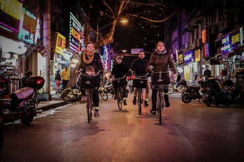 Shanghai Night Tour by Bike