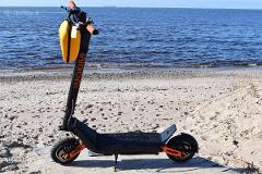 Airlie Beach - Electric Scooter Hire - Quick &Light - 1hours