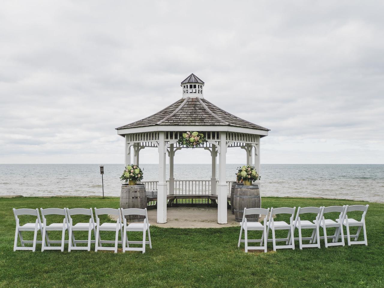Lakefront Elopement Ceremony
