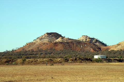 Dinosaurs and Diamantina Full Day Tour