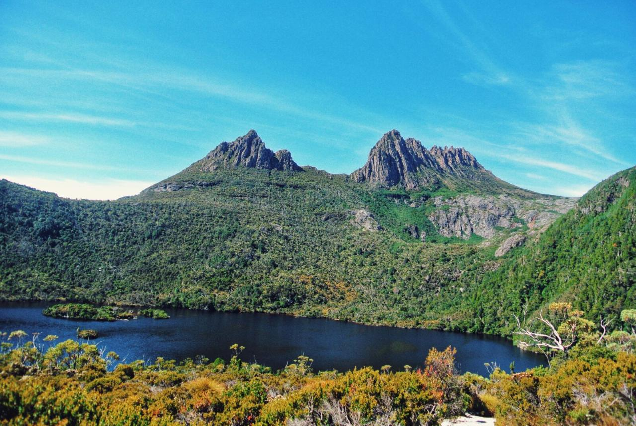 Private Cradle Mountain Cruise Ship Tour from Burnie 4 - 6 People